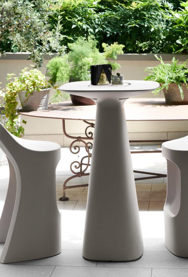 Стеклопластиковый барный стол